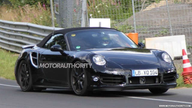 2014 Porsche 911 Turbo Cabriolet spy shots