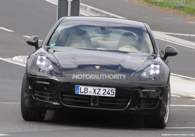 2013 Porsche Panamera facelift spy shots