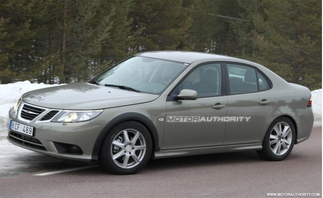 2013 Saab 9-3 test-mule spy shots