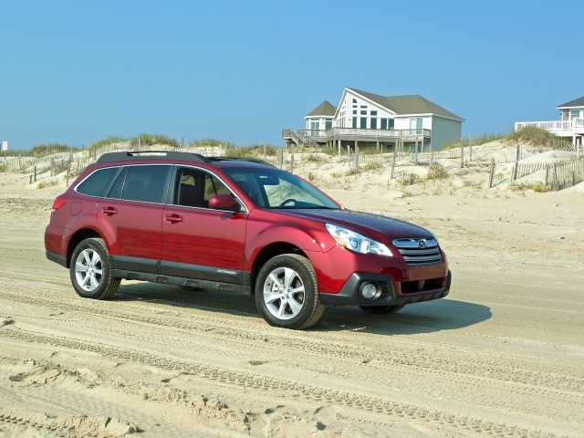 2013 Subaru Outback, photo by Thomas Bey