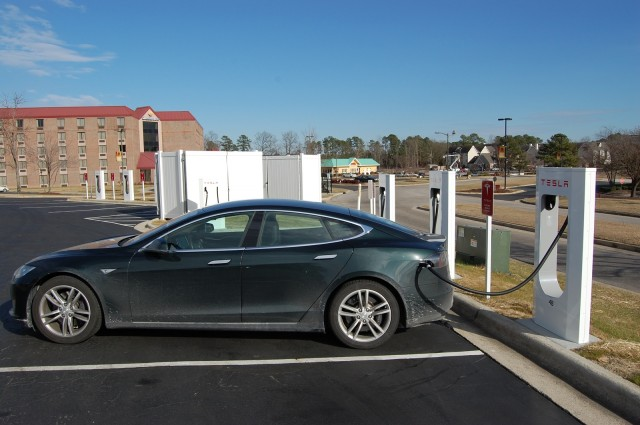2013 Tesla Model S at Supercharger station on NY-to-FL road trip [photo: David Noland]