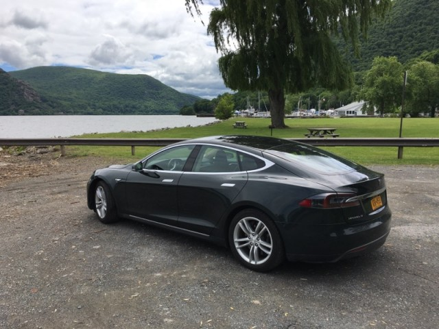 2013 Tesla Model S, in July 2017 [photo: David Noland]