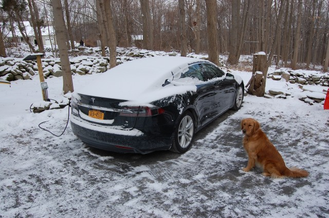 2013 Tesla Model S in winter, Hudson Valley, NY [photo: David Noland]