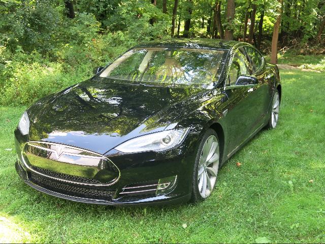 2013 Tesla Model S P85 service loaner vehicle [photo: David Noland]