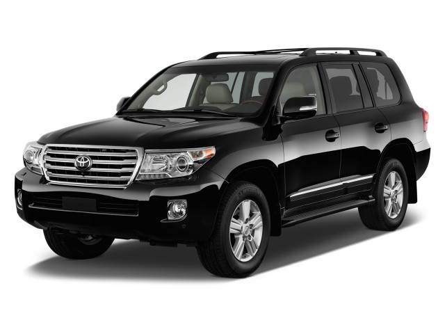 2013 Toyota Land Cruiser 4-door 4WD (Natl) Angular Front Exterior View