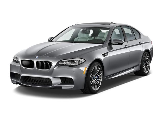 2014 BMW M5 4-door Sedan Angular Front Exterior View