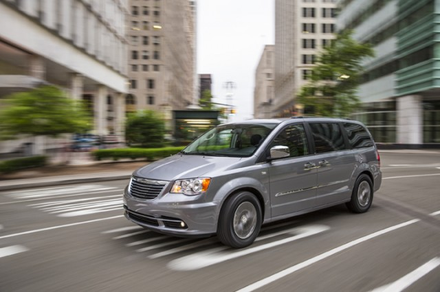 2014 chrysler town country review ratings specs prices and photos the car connection. Black Bedroom Furniture Sets. Home Design Ideas