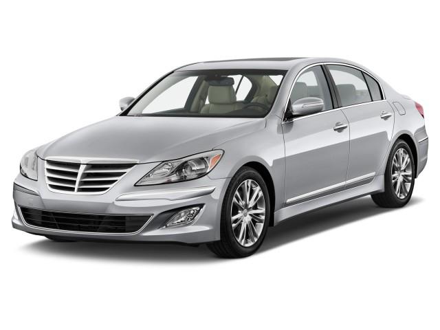 2014 Hyundai Genesis 4-door Sedan V6 3.8L Angular Front Exterior View