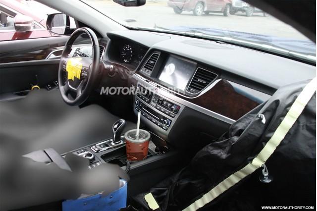2015 Hyundai Genesis spy shots