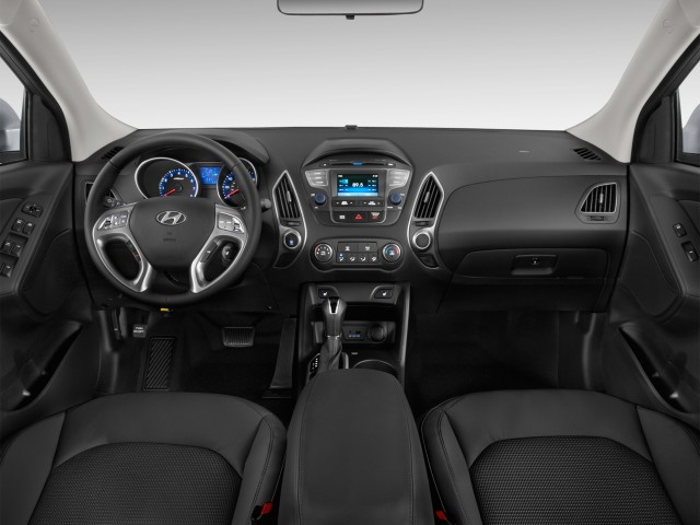 2014 Hyundai Tucson AWD 4-door SE Dashboard