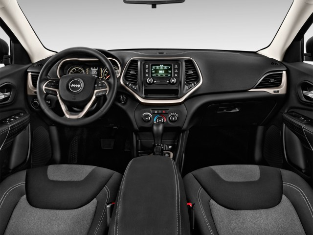 2014 Jeep Cherokee FWD 4-door Sport Dashboard
