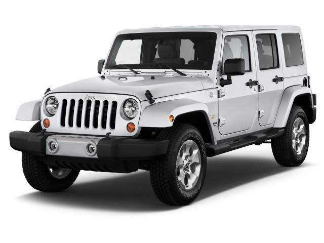 2014 Jeep Wrangler Unlimited 4WD 4-door Sahara Angular Front Exterior View