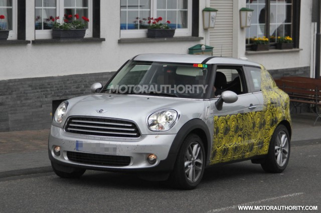 2013 MINI Paceman spy shots