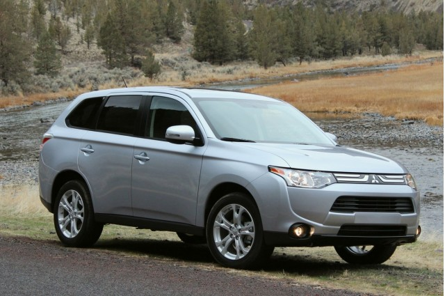 2014 Mitsubishi Outlander Earns Top Safety Pick+ Award