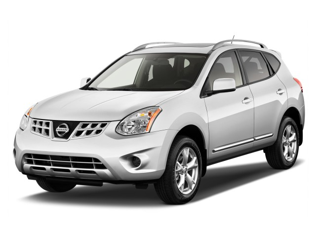 2014 Nissan Rogue Select FWD 4-door S Angular Front Exterior View