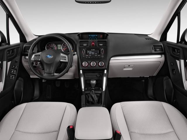 2014 Subaru Forester 4-door Auto 2.5i Premium PZEV Dashboard
