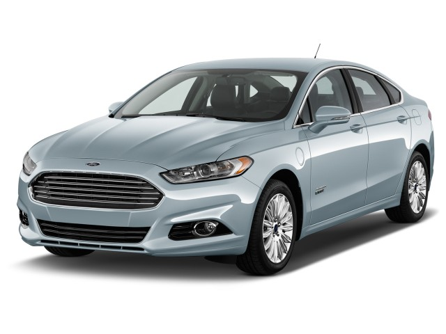 2015 Ford Fusion Energi 4-door Sedan Titanium Angular Front Exterior View