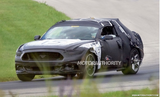2015 Ford Mustang spy shots