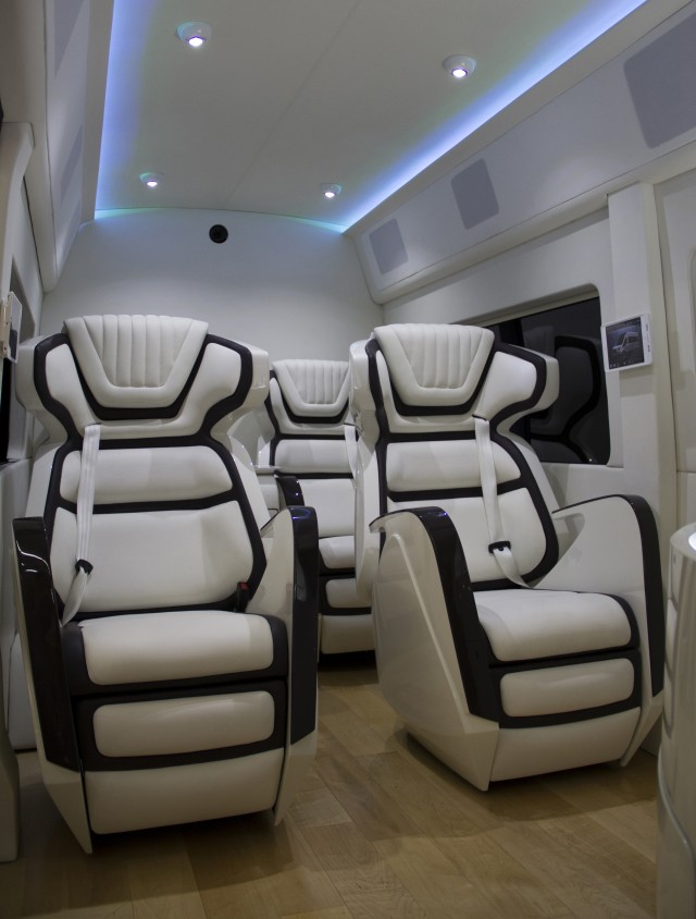 Ford transit skyliner concept is the new york auto show 39 s party van - Amenager lounge m ...