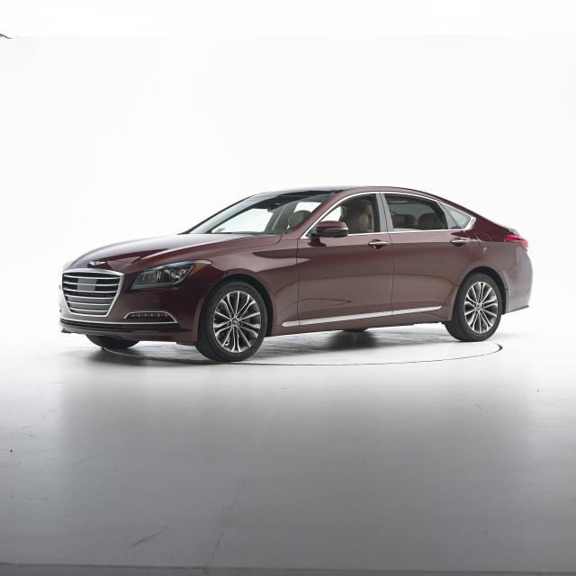 2015 Hyundai Genesis IIHS Top Safety Pick+