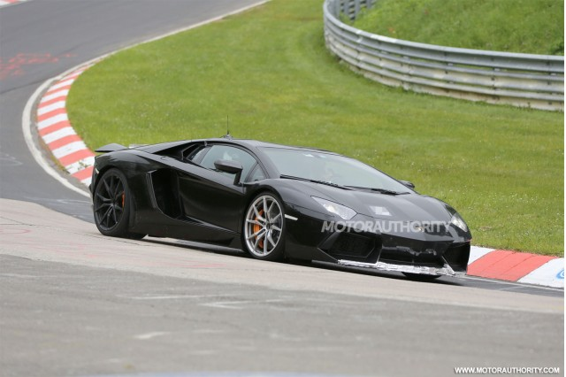 2015 Lamborghini Aventador SV spy shots