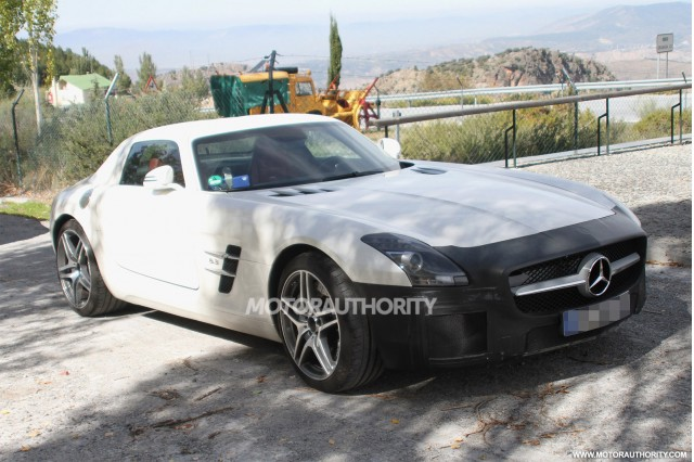 2015 Mercedes-Benz SLS AMG 'Final Edition' spy shots