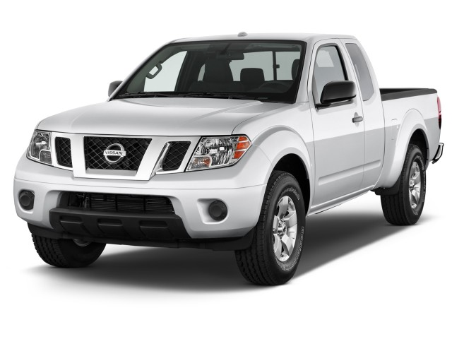 2015 Nissan Frontier 2WD King Cab I4 Auto SV Angular Front Exterior View