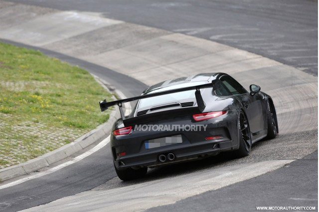2015 Porsche 911 GT3 RS spy shots