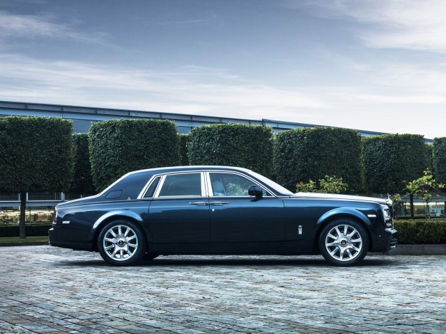 2015 RollsRoyce Phantom Review Ratings Specs Prices and