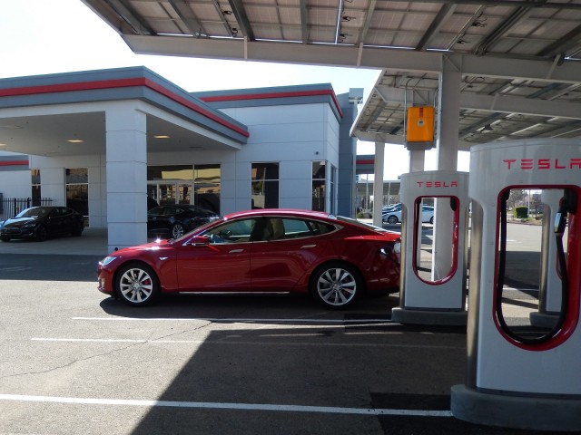 2015 Tesla Model S P85D Supercharging in Rocklin, California, Feb 2015