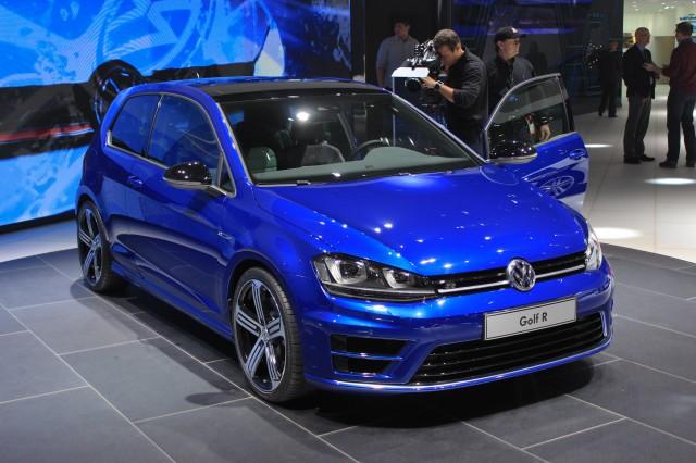 2015 Volkswagen Golf R live photos, 2014 Detroit Auto Show