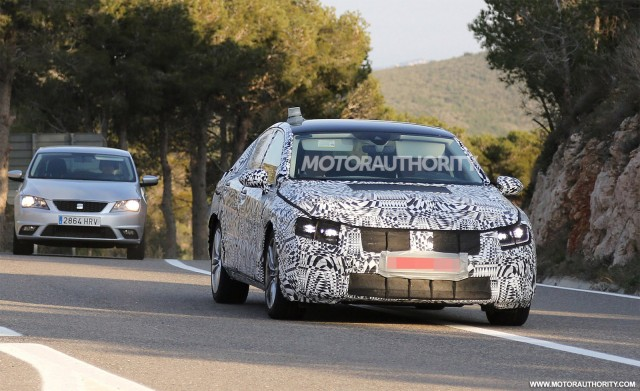 2015 Volkswagen Passat (European-spec) spy shots