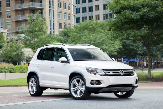 2015 volkswagen tiguan vw review ratings specs prices. Black Bedroom Furniture Sets. Home Design Ideas