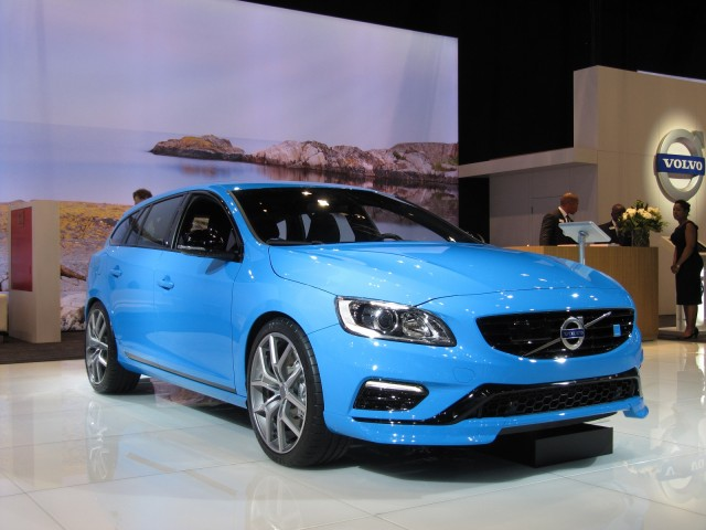 2015 Volvo V60 Polestar at 2014 Chicago Auto Show