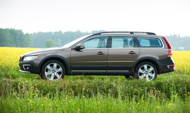 2015 volvo xc70 review ratings specs prices and photos the car connection. Black Bedroom Furniture Sets. Home Design Ideas