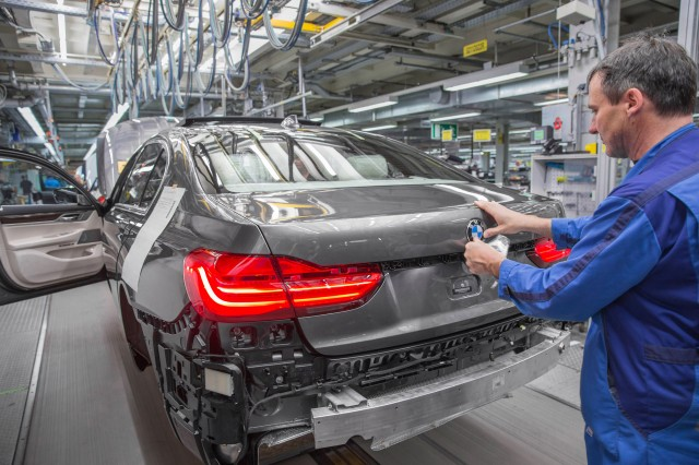 2016 BMW 7-Series production