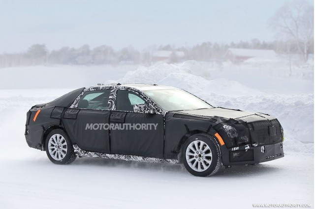 2016 Cadillac CT6 spy shots