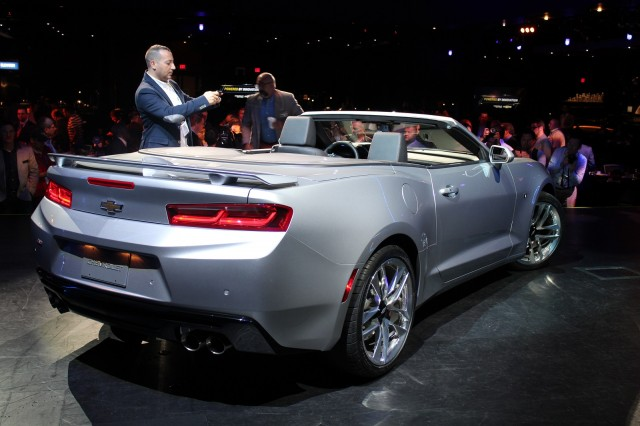 2016 Chevrolet Camaro Convertible launch, Detroit, June 2015