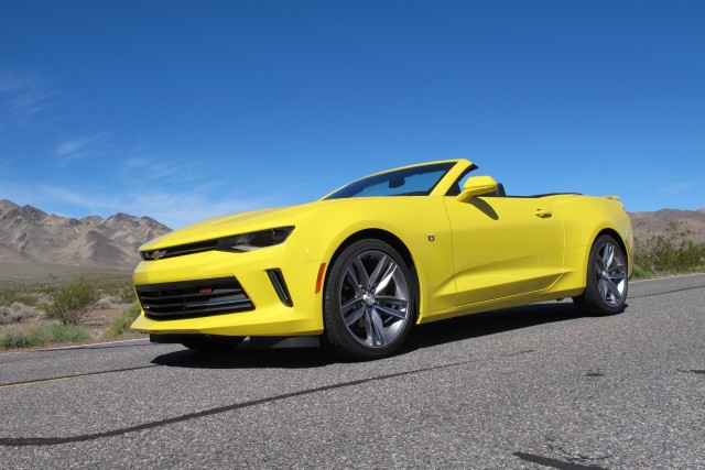 2016 chevrolet camaro convertible and 4 cylinder first drive. Black Bedroom Furniture Sets. Home Design Ideas