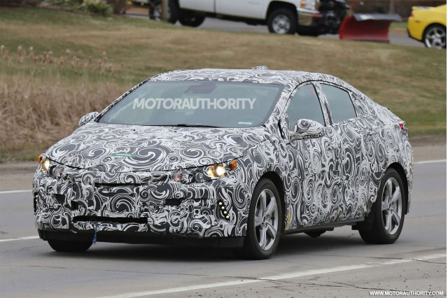 2016 Chevrolet Volt spy shots