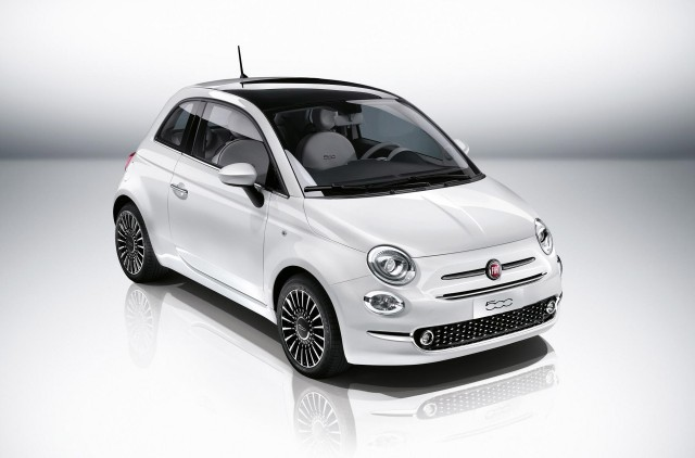 2016 fiat 500 updates include uconnect touchscreen styling tweaks. Black Bedroom Furniture Sets. Home Design Ideas