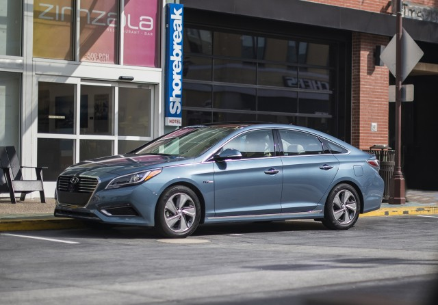 2016 hyundai sonata hybrid review ratings specs prices and photos the car connection. Black Bedroom Furniture Sets. Home Design Ideas