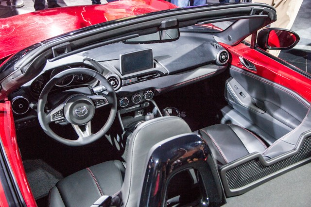 2016 mazda miata sexy new roadster highlights low sales of two seat cars. Black Bedroom Furniture Sets. Home Design Ideas