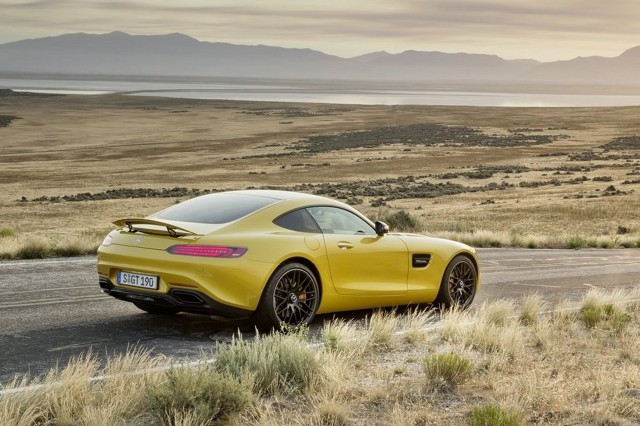 2016 mercedes amg gt gt s preview live photos affalterbach s new super coupe. Black Bedroom Furniture Sets. Home Design Ideas