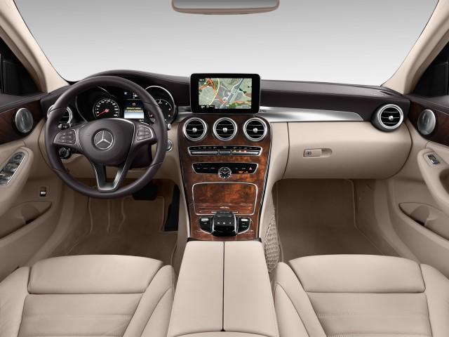 2016 Mercedes-Benz C Class 4-door Sedan C300 Luxury RWD Dashboard