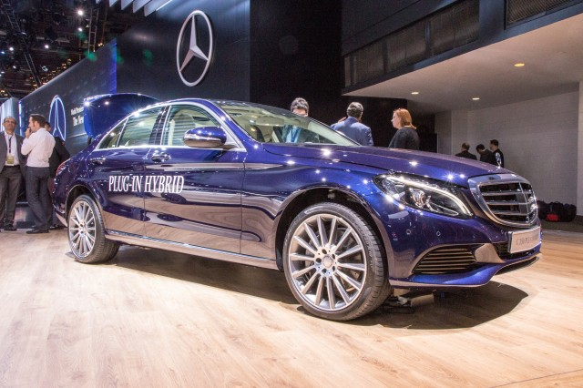 2016 Mercedes-Benz C350 Plug-In Hybrid live photos, 2015 Detroit Auto Show