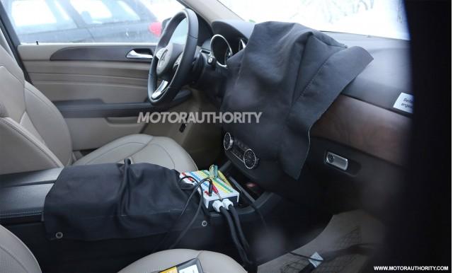 2016 Mercedes-Benz M-Class (GLE) facelift spy shots