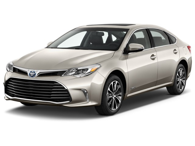 2016 Toyota Avalon Hybrid 4-door Sedan XLE Premium (Natl) Angular Front Exterior View