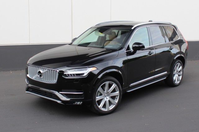 volvo xc90 starting price down to 44 945 with new t5 model. Black Bedroom Furniture Sets. Home Design Ideas