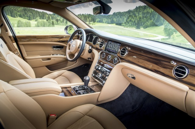 great interior features of the 2017 Bentley Mulsanne